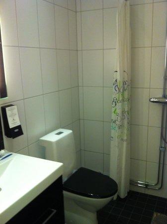 First Hotel Kungsbron : Washroom
