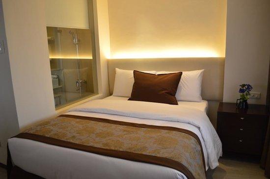 Imperial Palace Suites Quezon City: Premiere Room