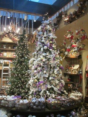 Bergdorf Goodman : Christmas shop
