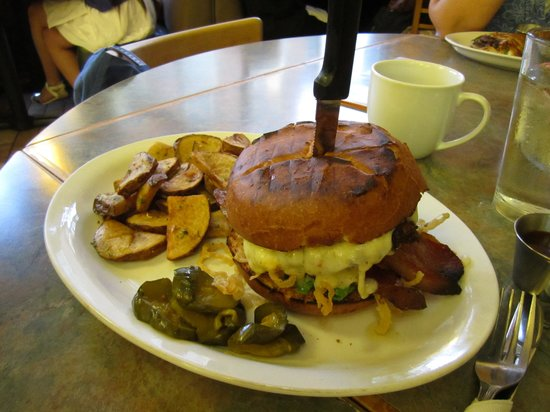 Squat and Gobble Cafe II: Western burger