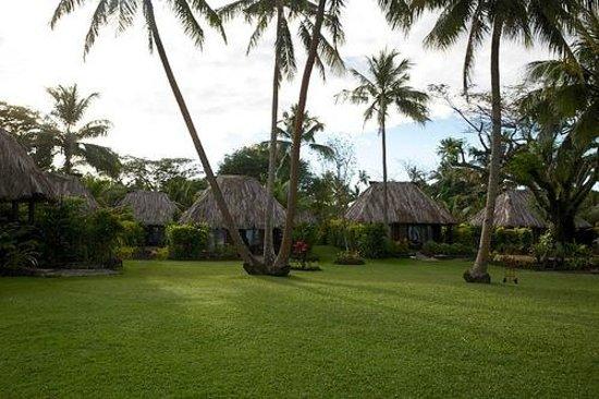 Paradise Taveuni Oceanfront Bures (late Oct 2013)