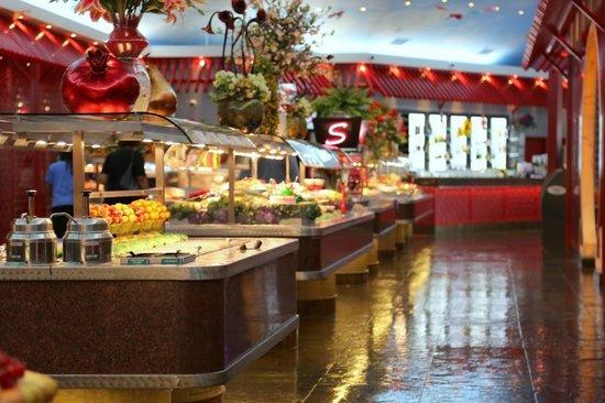 new salad bar picture of mandarin restaurant burlington. Black Bedroom Furniture Sets. Home Design Ideas