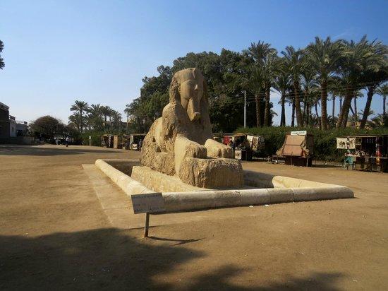 Memphis and Sakkara: Memphys - Sphinx
