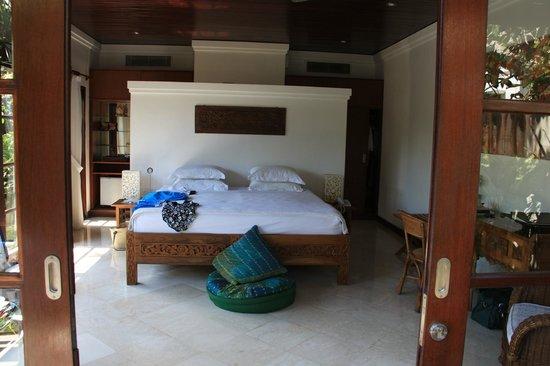 Amori Villas: Spacious Bedroom