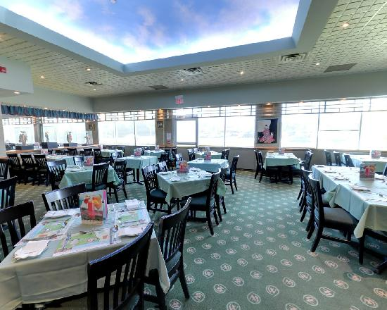 Sushi 3 picture of mandarin restaurant oshawa tripadvisor for Asian cuisine oshawa
