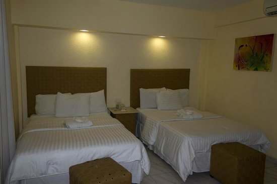 Hotel Maria del Carmen: Bed