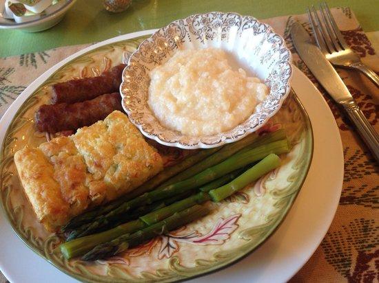 Noble House Inn : A delicious breakfast!!