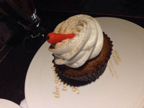 Insa-dong: Gentle lady cupcake !