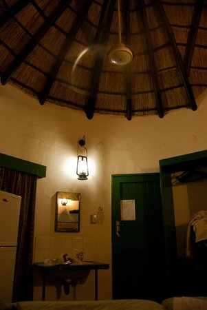 Lower Sabie Restcamp: Inside of the chalet
