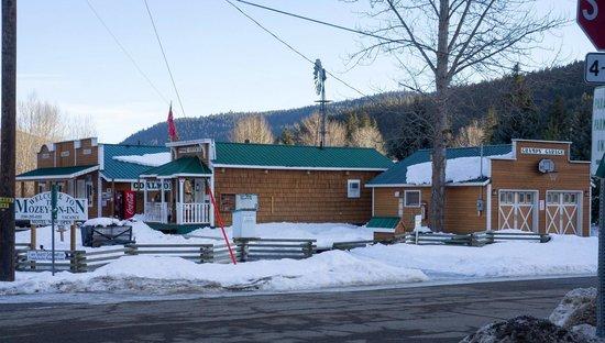 Mozey-On-Inn Photo