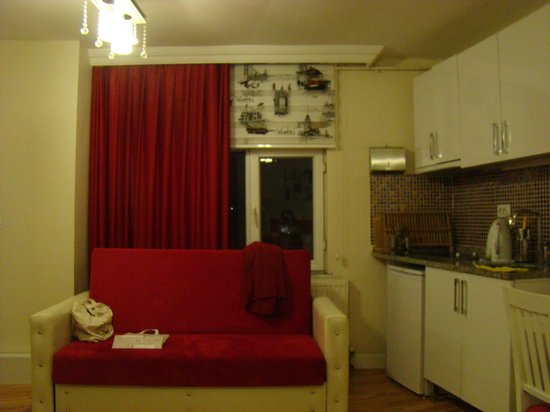Galata Bridge Apartments Istanbul : Our room