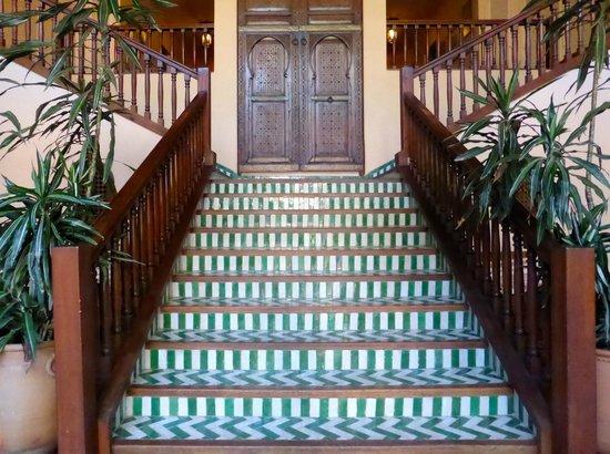 Villa Mandarine : Main staircase to our room