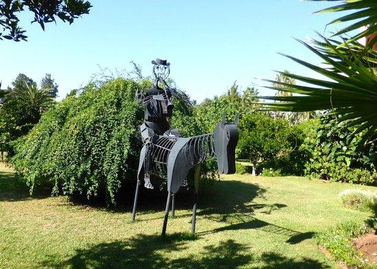 Villa Mandarine : Garden sculpture