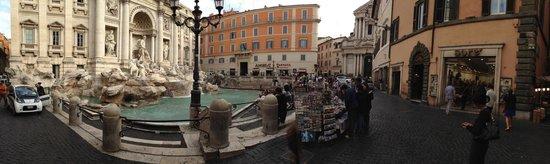Fontana Hotel : Piazza Fontana di Trevi