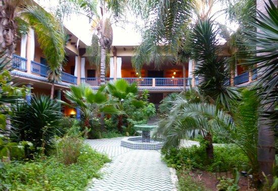 Villa Mandarine : The courtyard