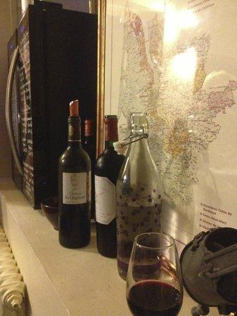 Au Coeur de Bordeaux - Chambres et Table d'hotes: at the wine cellar