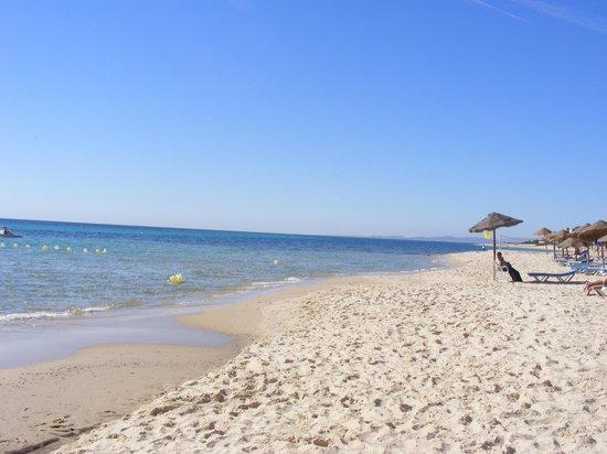 SENTIDO Aziza Beach Golf & Spa: clear water
