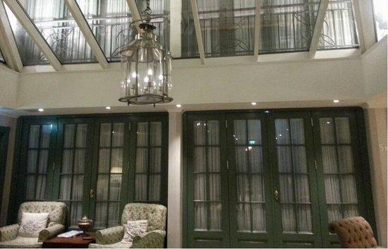 Clarion Collection Hotel Bastion: Lobby område med koselige sitteplasser
