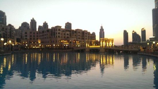 Amwaj Rotana: Dubai Mall fountain area