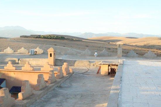 Kasbah de Talamanzou : vue sur l'Atlas