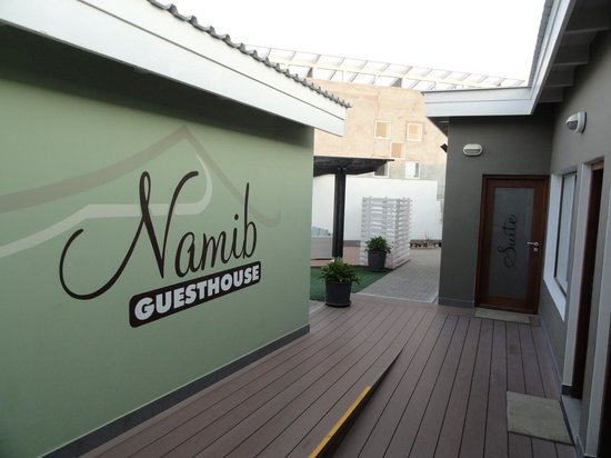 Namib Guesthouse: Entrance Aerea