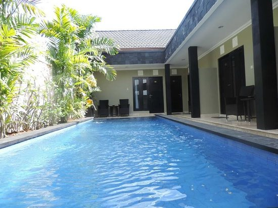 Legian Guest House : Pool1