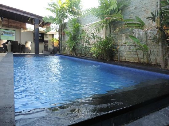 Legian Guest House : Pool