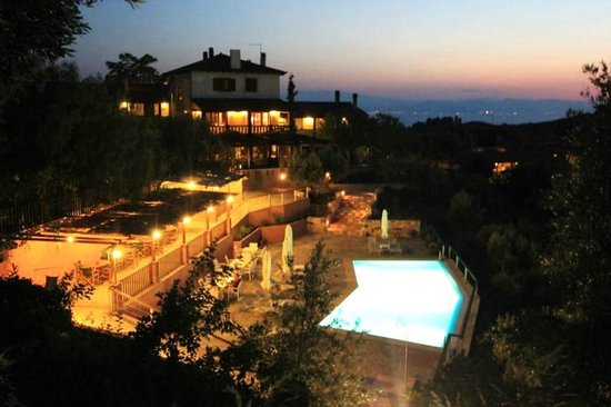 Vateri Guest House: swimming pool