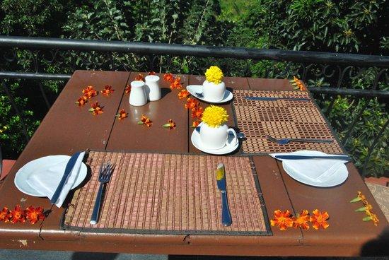 Elegant Hotel : That's awaiting you for breakfast!