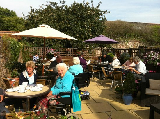 Apple Tree Tea Rooms: Tea garden in full summer swing. Wheelchair mecca!