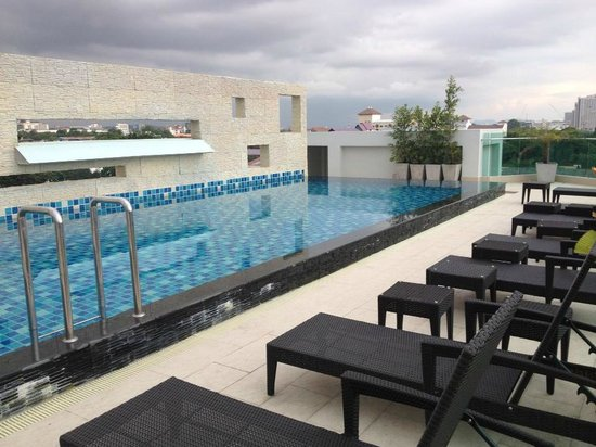 7fe4137da3ca swimming pool on roof - Picture of The Ivory Villa