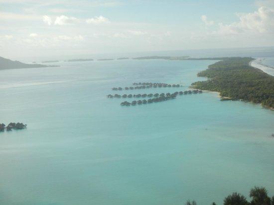 Four Seasons Resort Bora Bora: フォーシーズンズ空撮