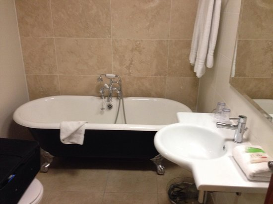 Clontarf Castle Hotel : Bathroom
