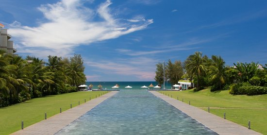 Pullman Danang Beach Resort: Infinity Pond