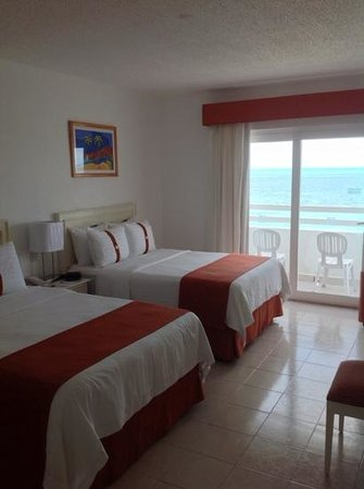 Holiday Inn Cancun Arenas: sea view room