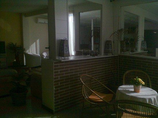 Hotel Mino: холл отеля