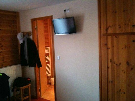 Hotel Les Autanes : tv pour les accros