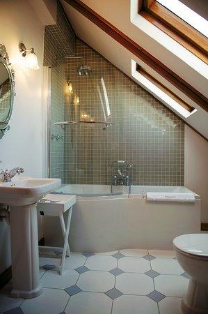 Roosenwijn Guest House: Bathroom 11