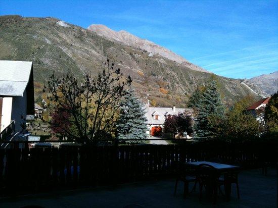 Hotel Les Autanes : vue terrasse