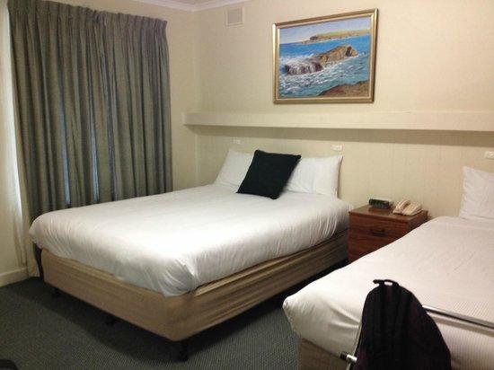 Comfort Inn Victor Harbor: Tre posti letto vicino all'ingresso