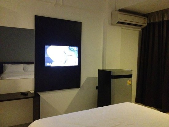 Izen Budget Hotel and Residence: in room