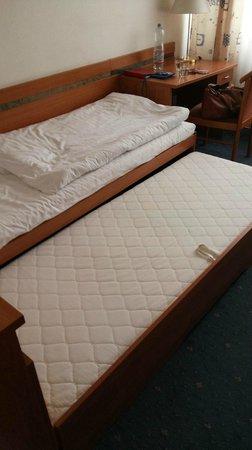 Hotel Ilf: Кровать из одноместной можно превратить в 2хместную