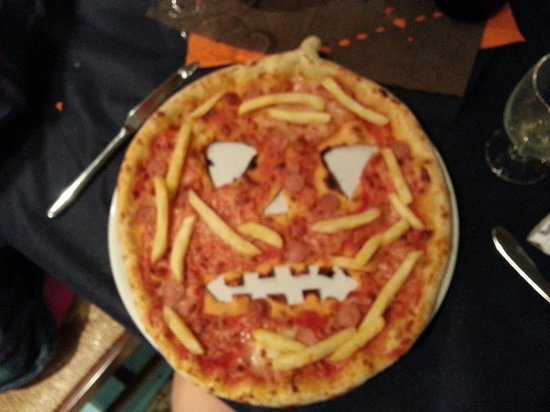 Pizzeria i Velici: Pizza....zucca :-) per Halloween