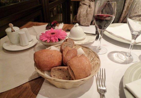Le Pre Sale: パンもたっぷりありました