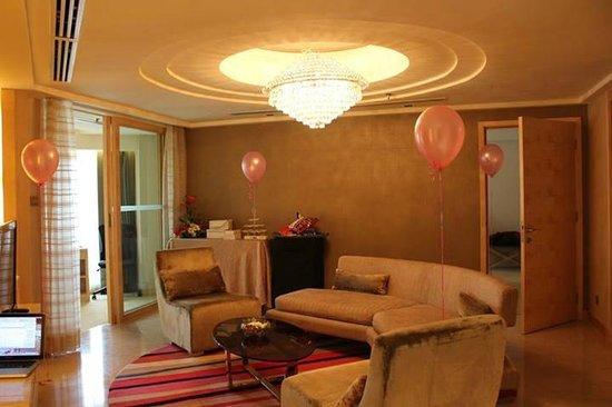 Dorsett Grand Subang: Executive suite living hall
