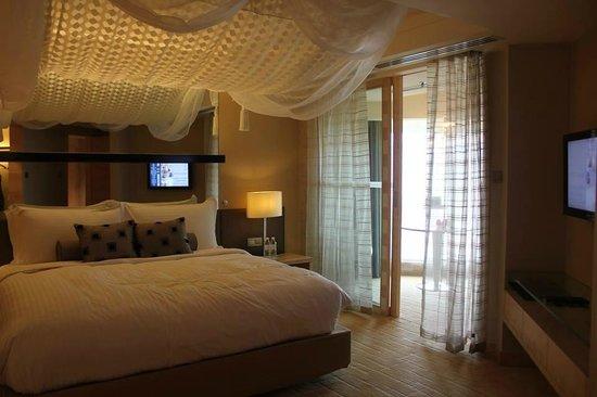 Dorsett Grand Subang: Executive suite honeymoon themed room