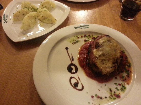 Ceska Hospudka Na Radnici : Hauptgericht (Steak war Perfekt Medium!)