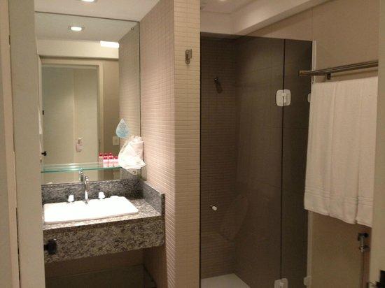 Rafain Palace Hotel & Convention: banheiro