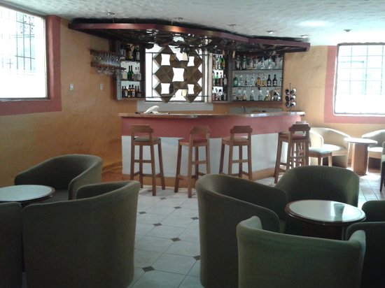 San Agustin International Hotel : le bar