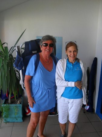 Tres Palmas Inn: Together with Marlene